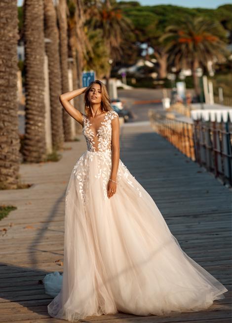 Модель SEBASTIANA от Versal wedding dress