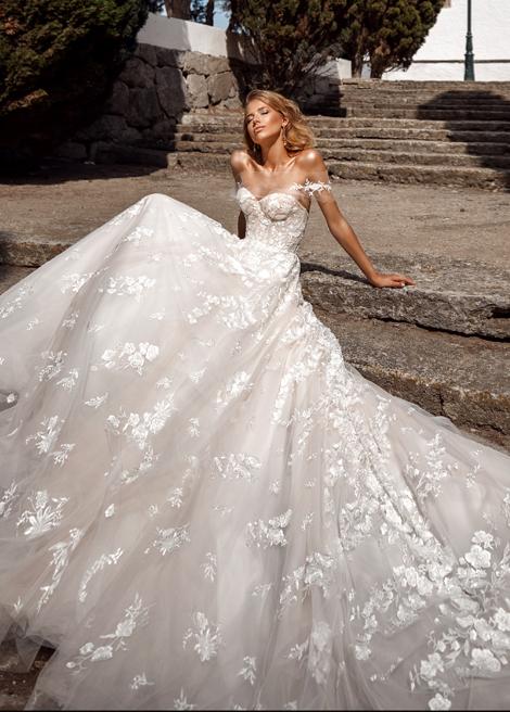 Модель SEMIRA от Versal wedding dress