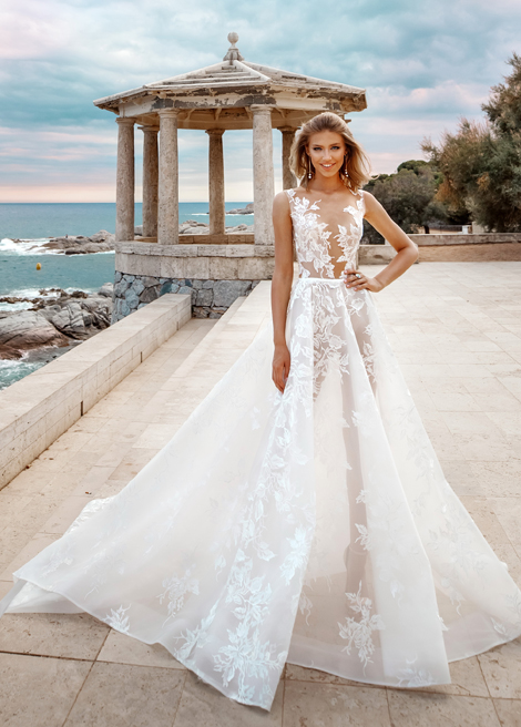 Модель SOPHIA от Versal wedding dress