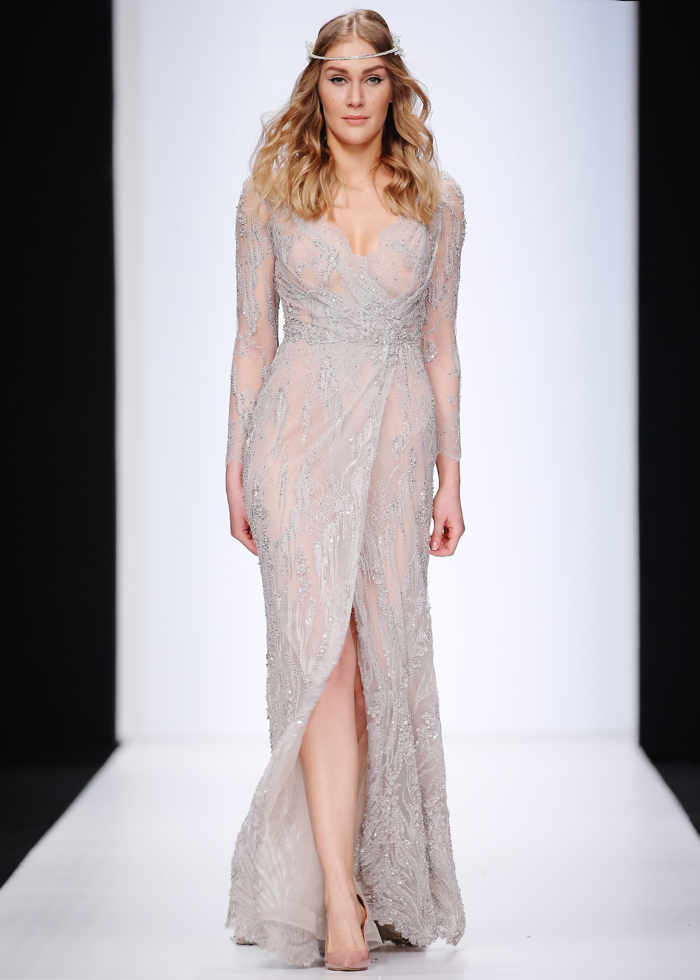 Модель DAWNA от Speranza Couture