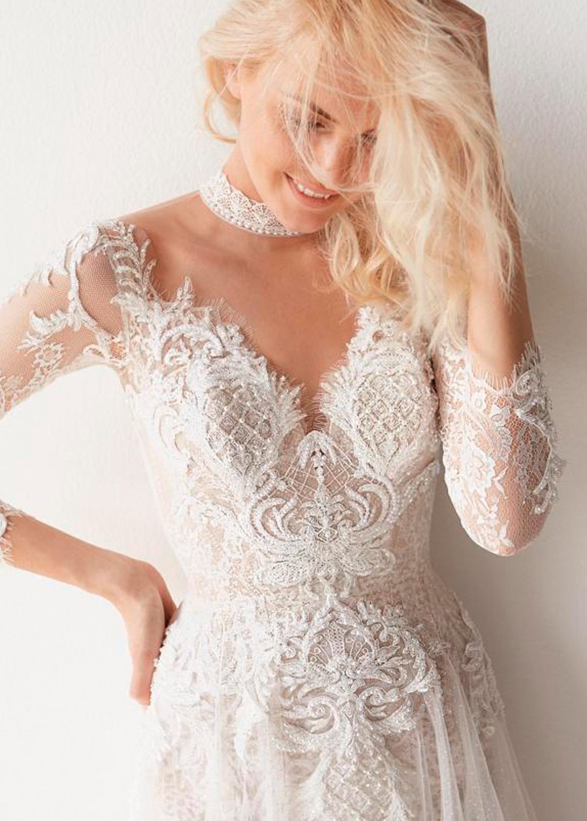 Модель Aurora Gown от Betty Tran