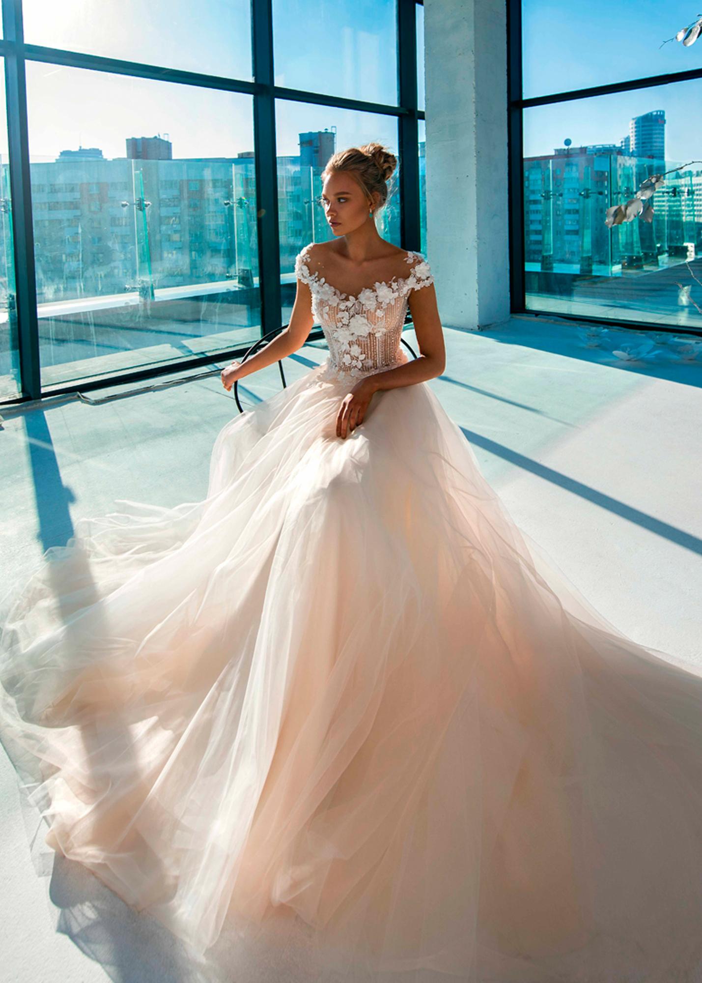 Модель ESTEPONA от Versal wedding dress