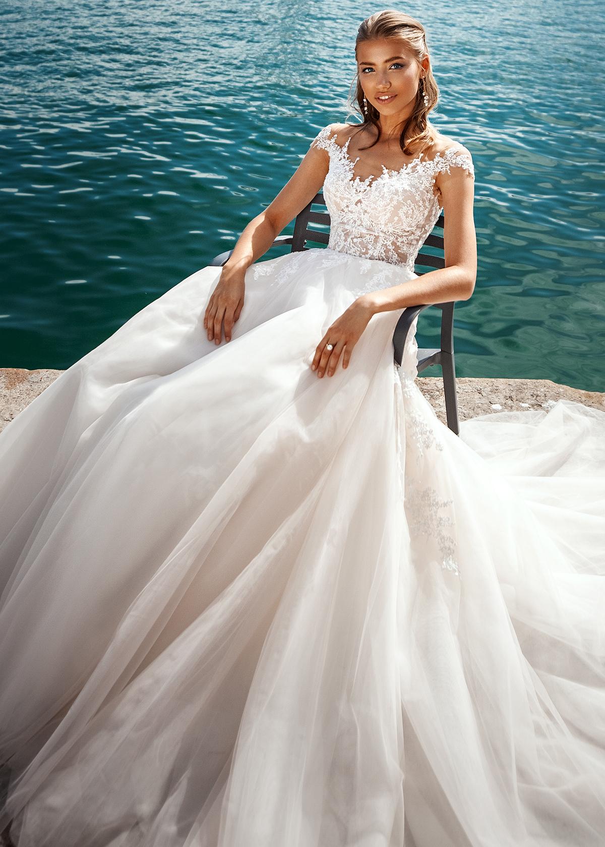 Модель LANDRIN от Versal wedding dress