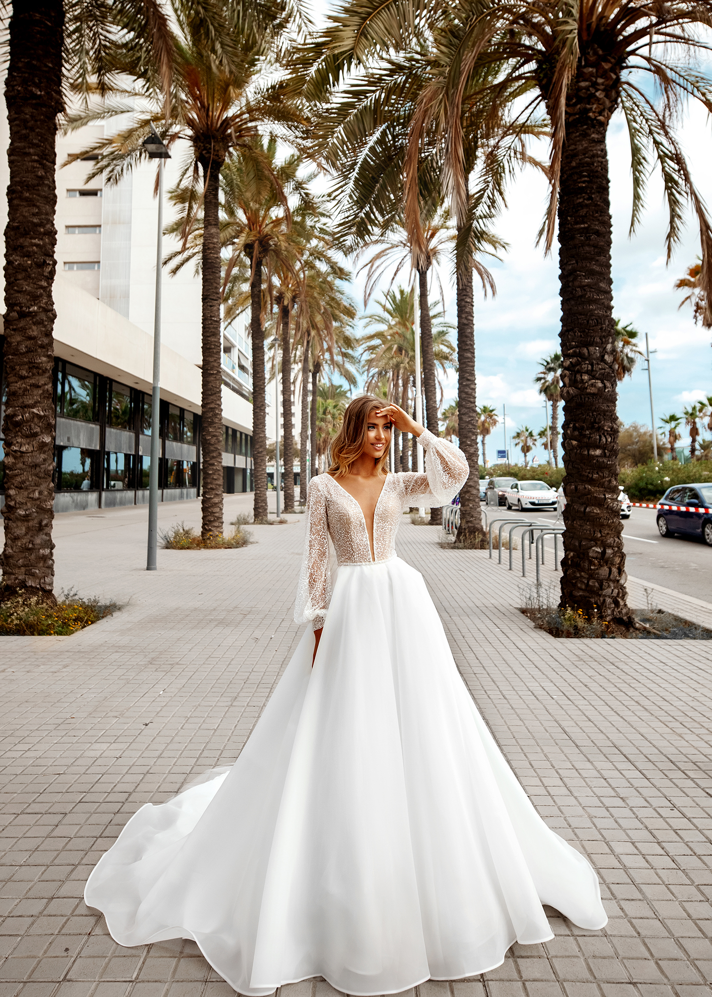 Модель LESSANDRA от Versal wedding dress