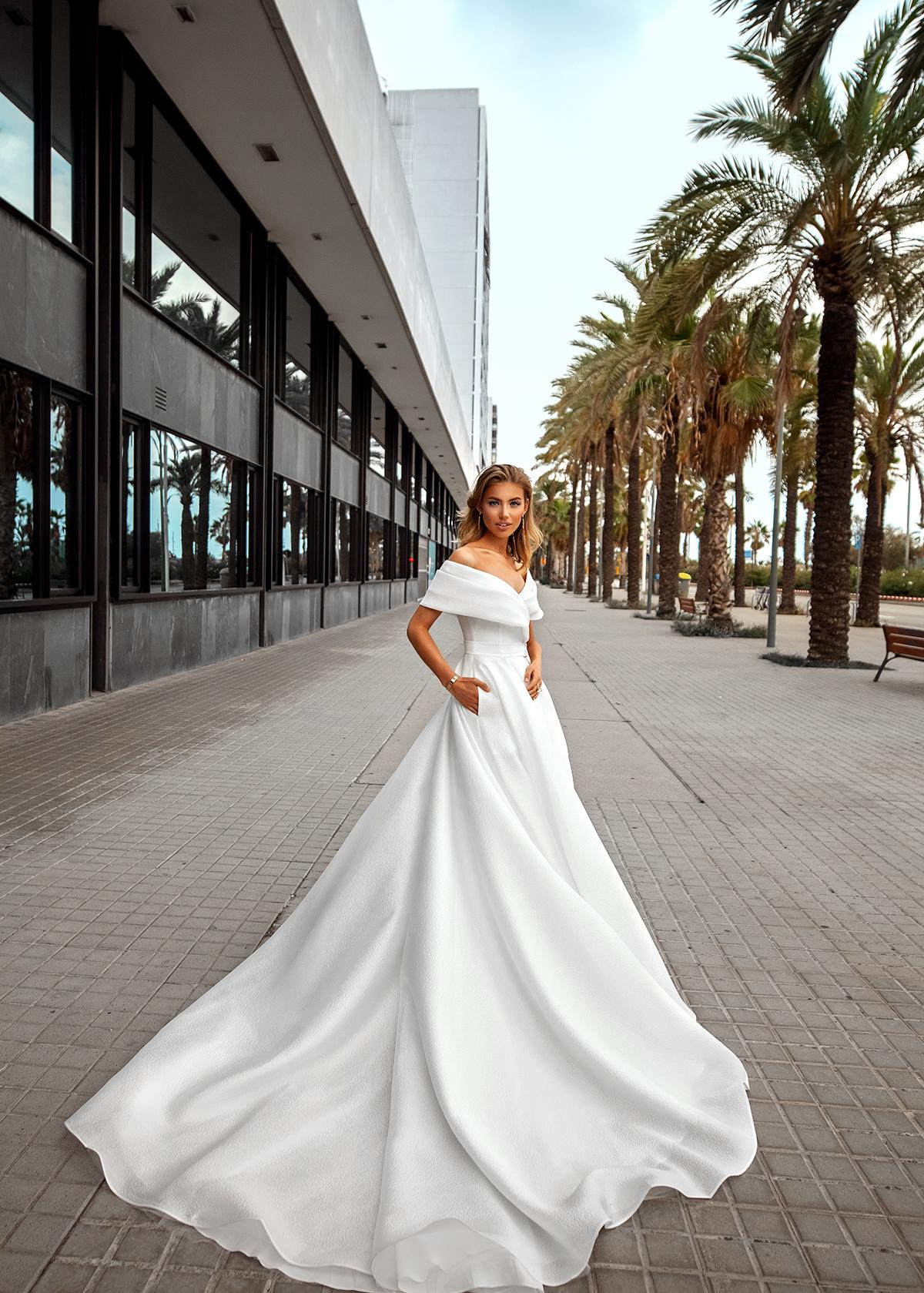 Модель CHARA от Versal wedding dress