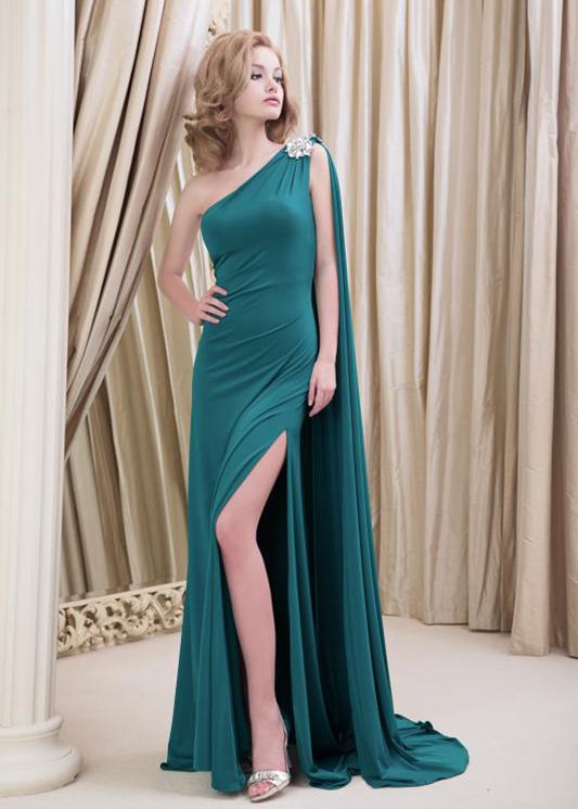 Модель Abulmida EV от Yusupova Couture